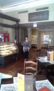 Agata Barbi: Coordenadora do Café.