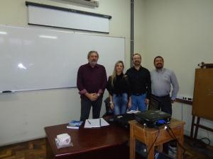 Prof. Celmar Oliveira (Coordenador da Pós Graduação em Gestão Pública e pós graduandos.