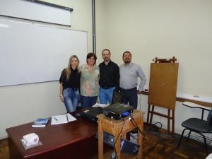 Thais, Profa. Ana Carolina, Claudio e Paulo Rogério: Pose de artistas